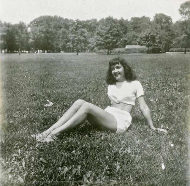 1940s-girls-1.jpeg