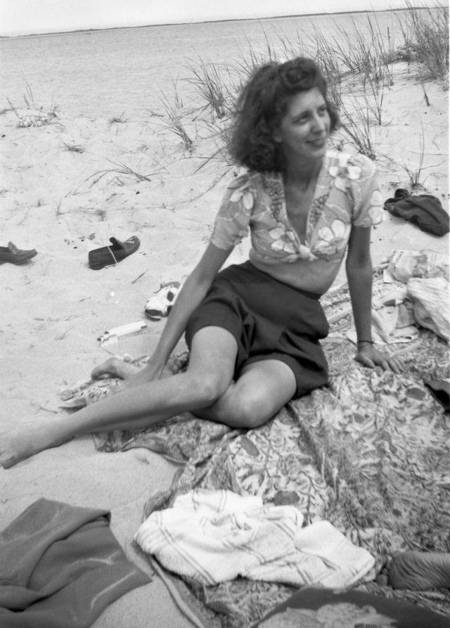 1940s-girls-8.jpeg