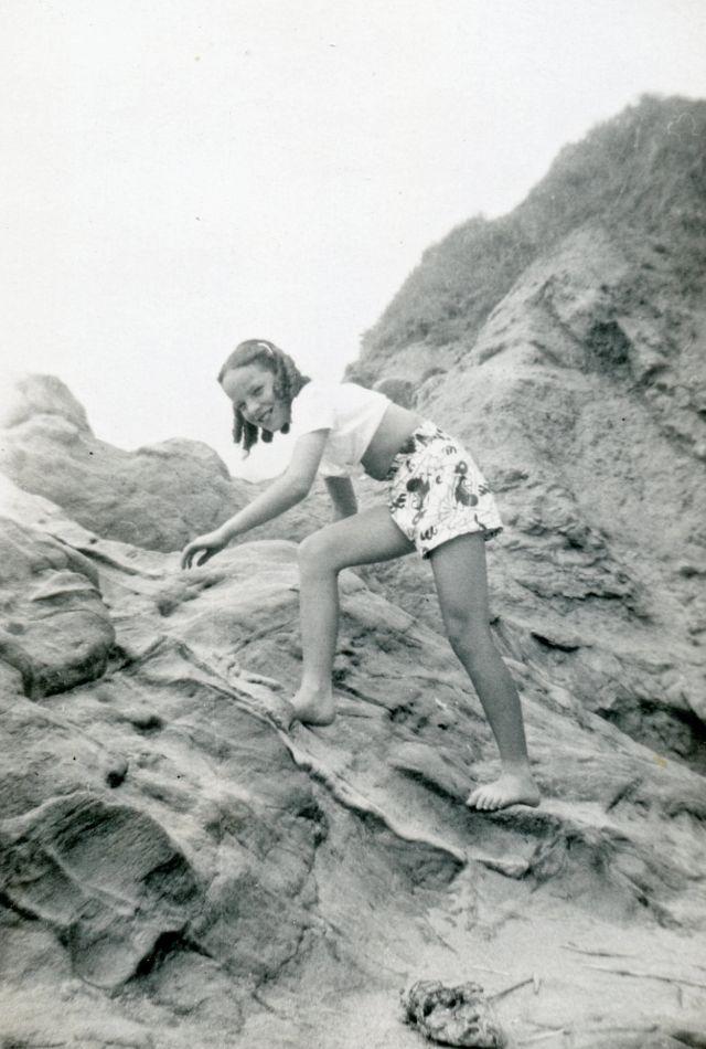 1940s-girls-13.jpeg