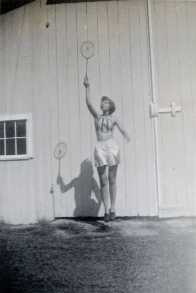 1940s-girls-16.jpeg