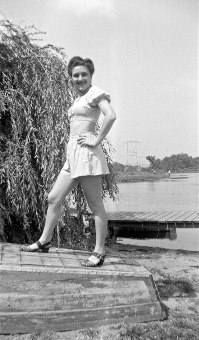1940s-girls-17.jpeg
