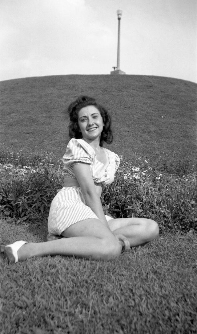 1940s-girls-19.jpeg
