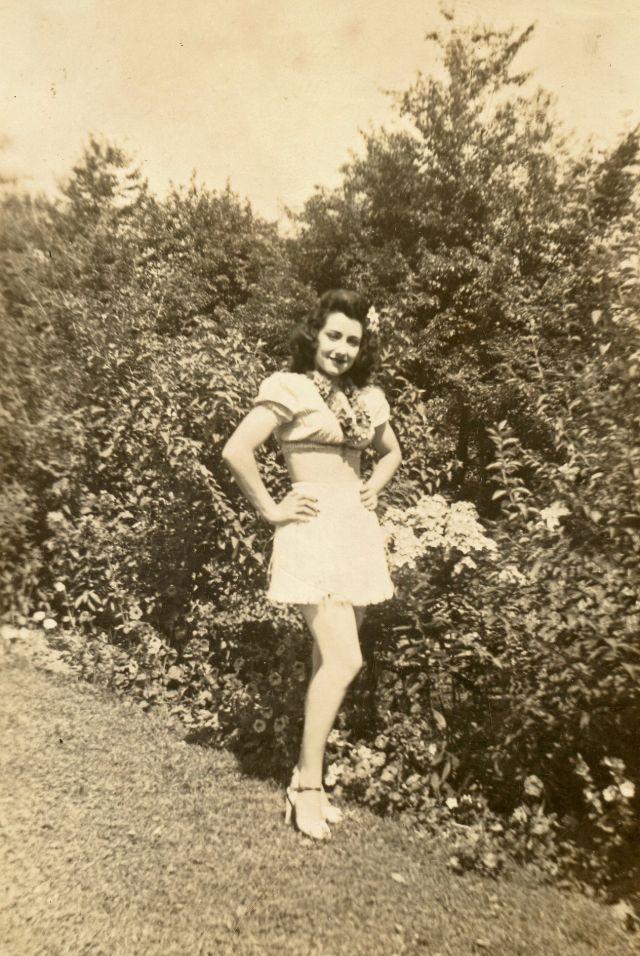 1940s-girls-20.jpeg