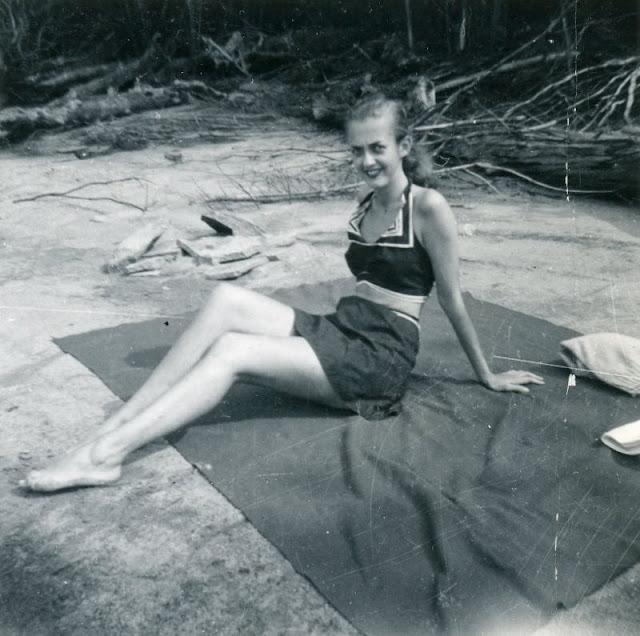 1940s-girls-22.jpeg