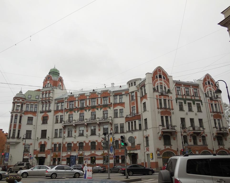 на Австрийской площади