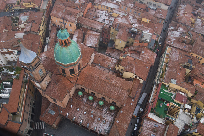 86_Roofs_of_Bologna