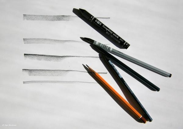 карандаши и линии