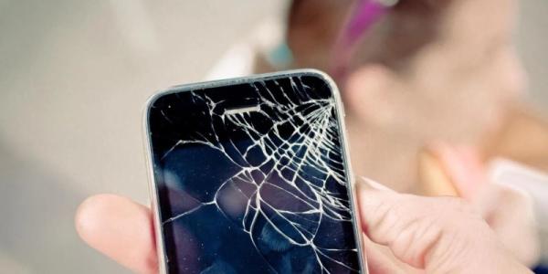 разбил смартфон