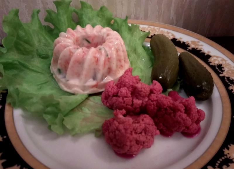 Мусс из рыбы с маринованными овощами