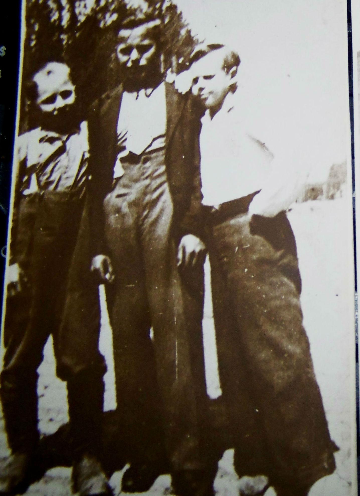 Русские мальчики войны. Люкау, 9 мая 1945 год.