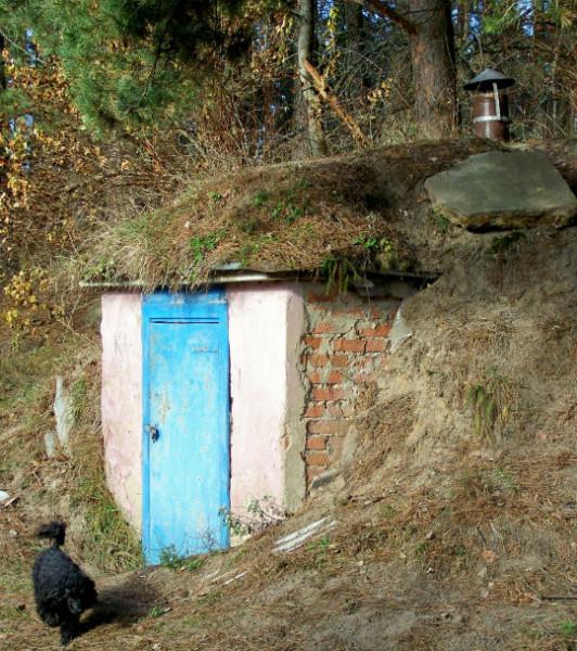 погреб в холме2