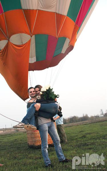 Красивое, оригинальное предложение руки и сердца девушке на воздушном шаре