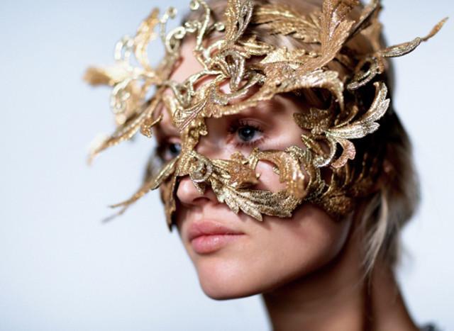 philip-treacy-halloween-mask1