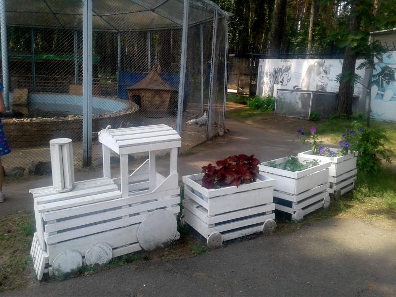 Паровозик-клумба)