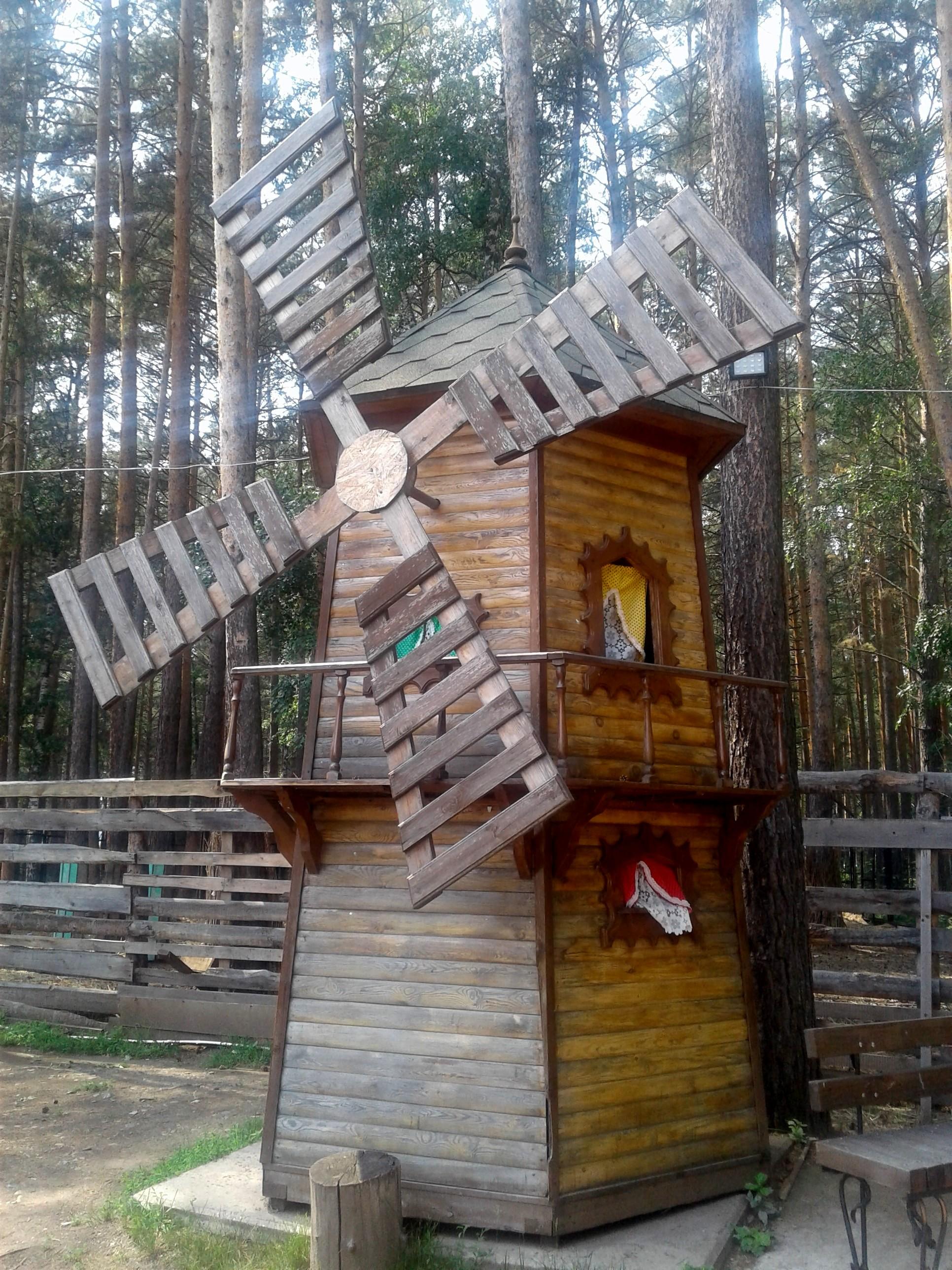 Внутрь можно заходить)) Детям))