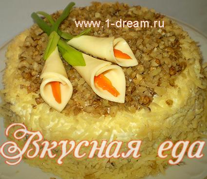 Салаты с курицей и ананасами рецепты с слоеный