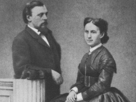 Савва Иванович Мамомтов с супругой Елизаветой Григорьевной (урожденной Сапожниковой)