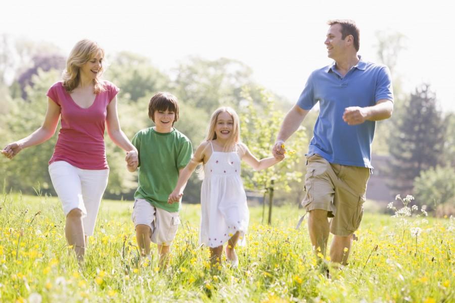 Семья в поле