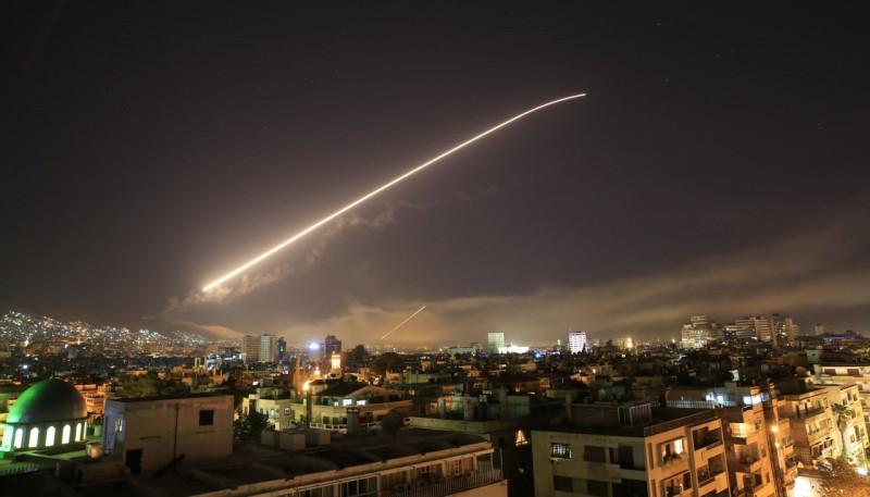 Трамп не зассал. США, Великобритания и Франция нанесли удар по Асаду