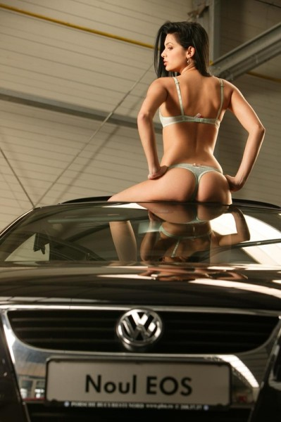 noul-volkswagen-eos-car-girl-2