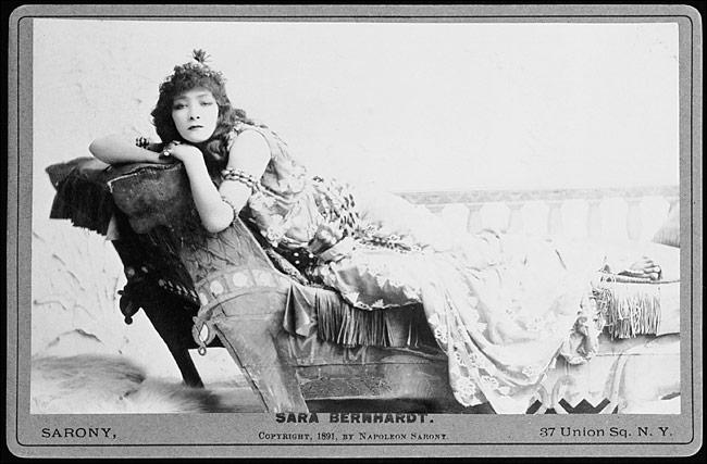 4537-Sarah_Bernhardt_as_Cleopatra_1891