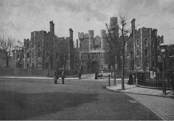 Holloway-prison-c.1896-PD