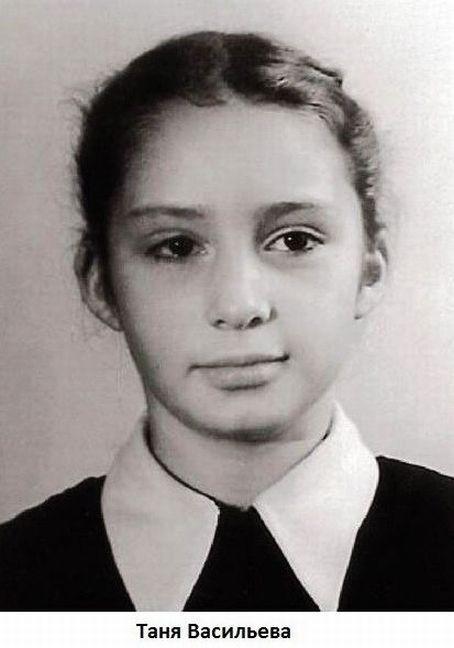 Обнаженная Марианна Вертинская Купается В Море – Женщина В Море (1992)