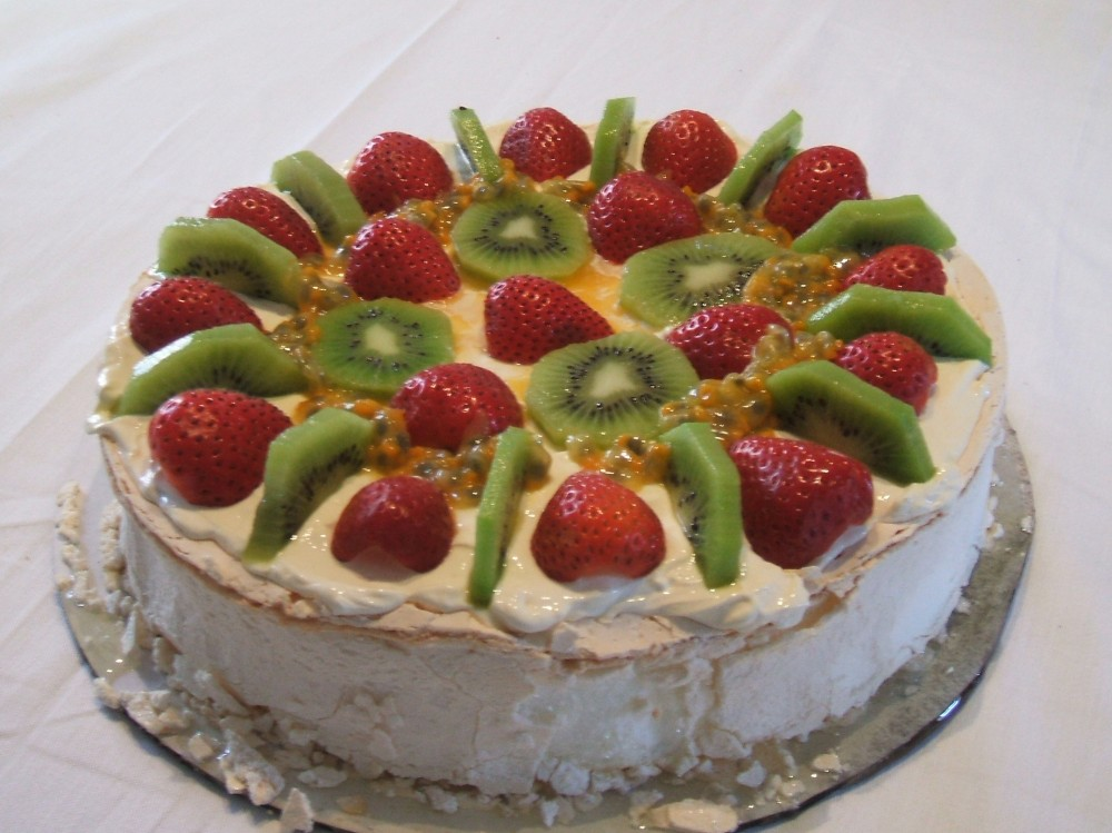 Pavlova_dessert