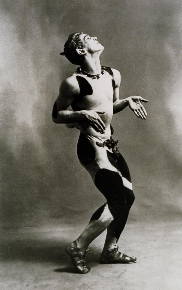 Vaslav-Nijinsky-i-sin-debutballet-En-Fauns-eftermiddag-1912jpg