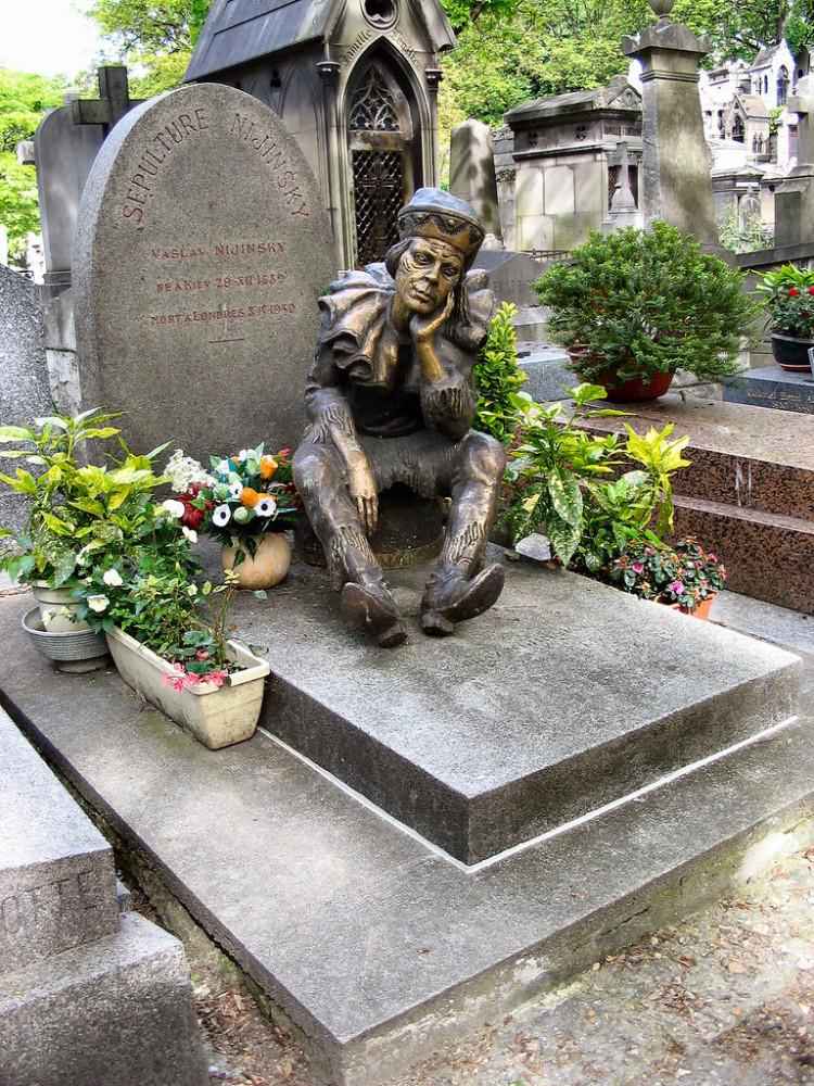 Vaslav_Nijinsky_tombstone