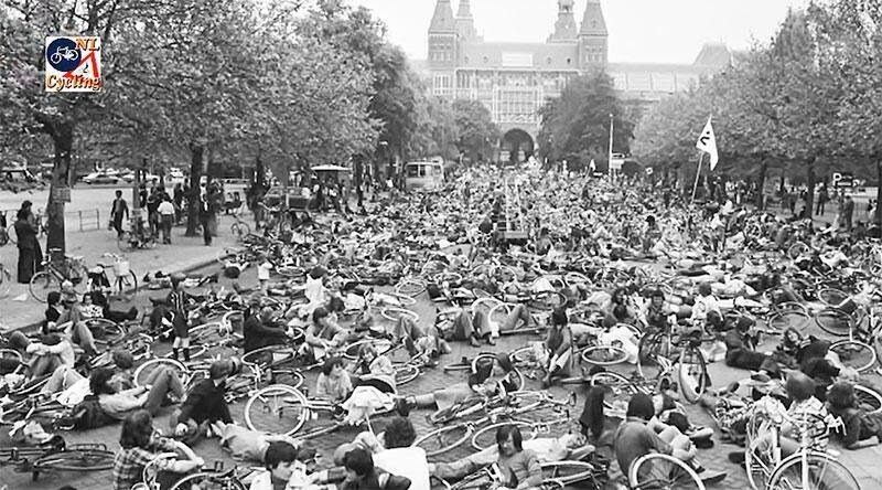 Cyclists mass die-in protest Amsterdam's Rijksmuseum 1970's
