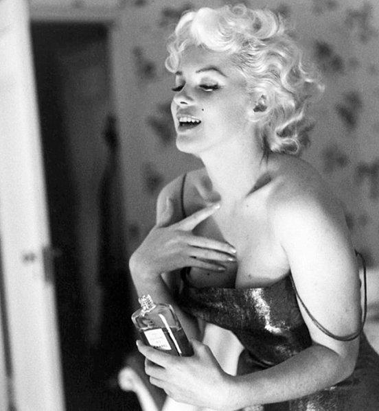 icon-perfume-parfum-chanel-n°5-marilyn-monroe