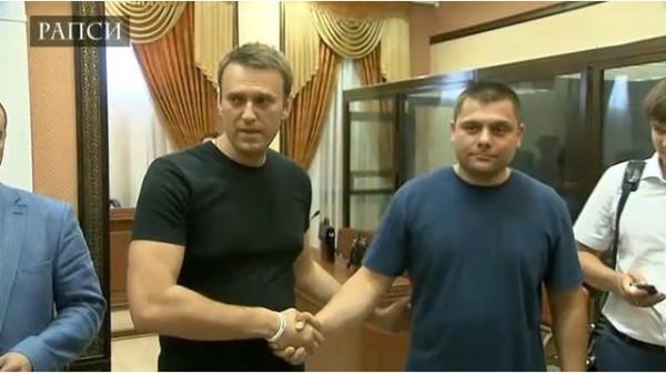 Навального освободили!