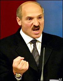 Что творит Лукашенко?