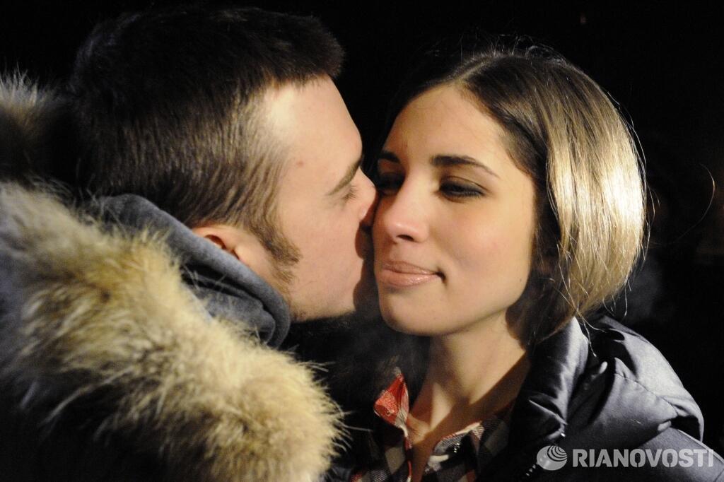 Толоконникова и Алехина на свободе (первые фото)