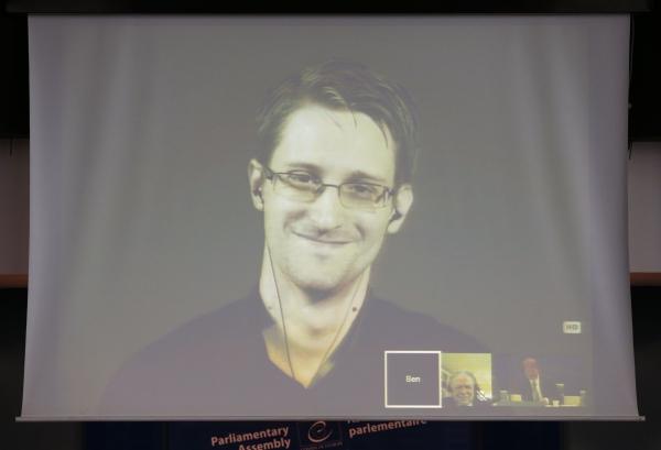 Напомните, а за что Россия ругает США в связи с откровениями Сноудена?