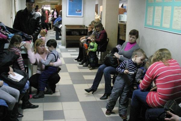 Чиновники продолжают отваживать россиян от бесплатной медицины