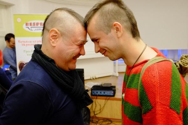 Больше безумия! Искусство в России заставляют натянуть трусы