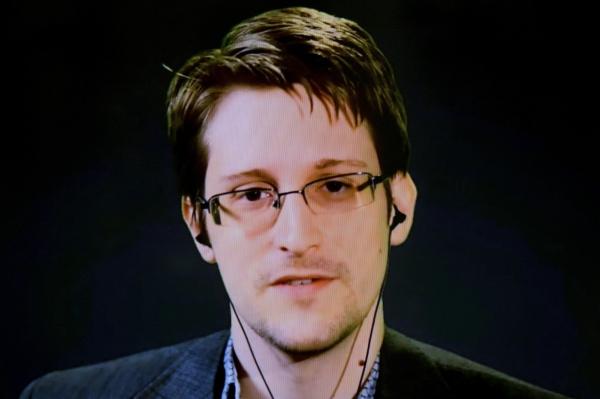 Сноуден продолжает доставлять неприятности