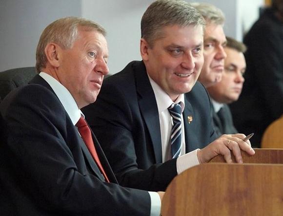"""Как чиновники """"любят"""" Россию и россиян"""