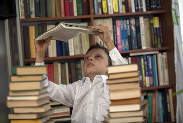 Патриотизм навыворот: хотели оскорбить Улицкую, попали в детей
