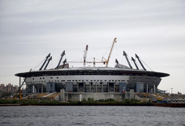 Стадион «Зенит-Арена» пытаются достроить