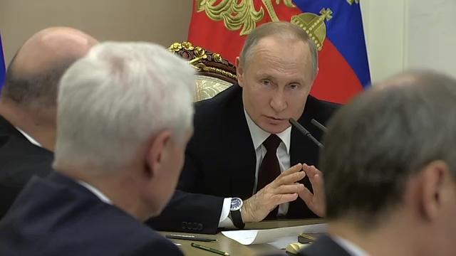 20200205_16-20-Совещание с членами Правительства - Президент России-pic00