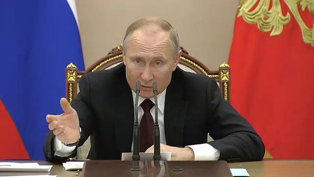 20200205_16-20-Совещание с членами Правительства - Президент России-pic04