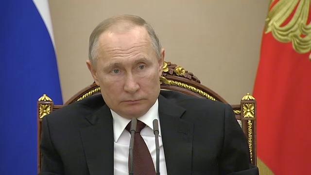 20200205_16-20-Совещание с членами Правительства - Президент России-pic07