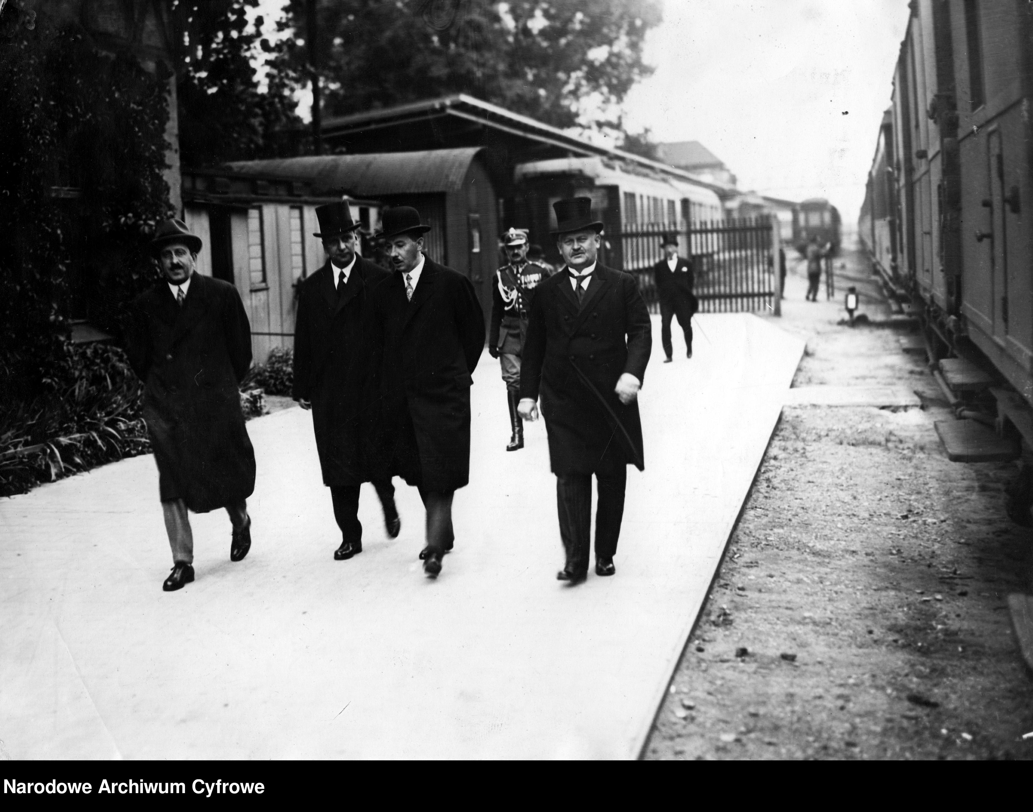 19290806-Wizyta rumuńskiego minista przemysłu i handlu na Powszechnej Wystawie Krajowej w Poznaniu~3_1_0_8_1022_1_1_77073