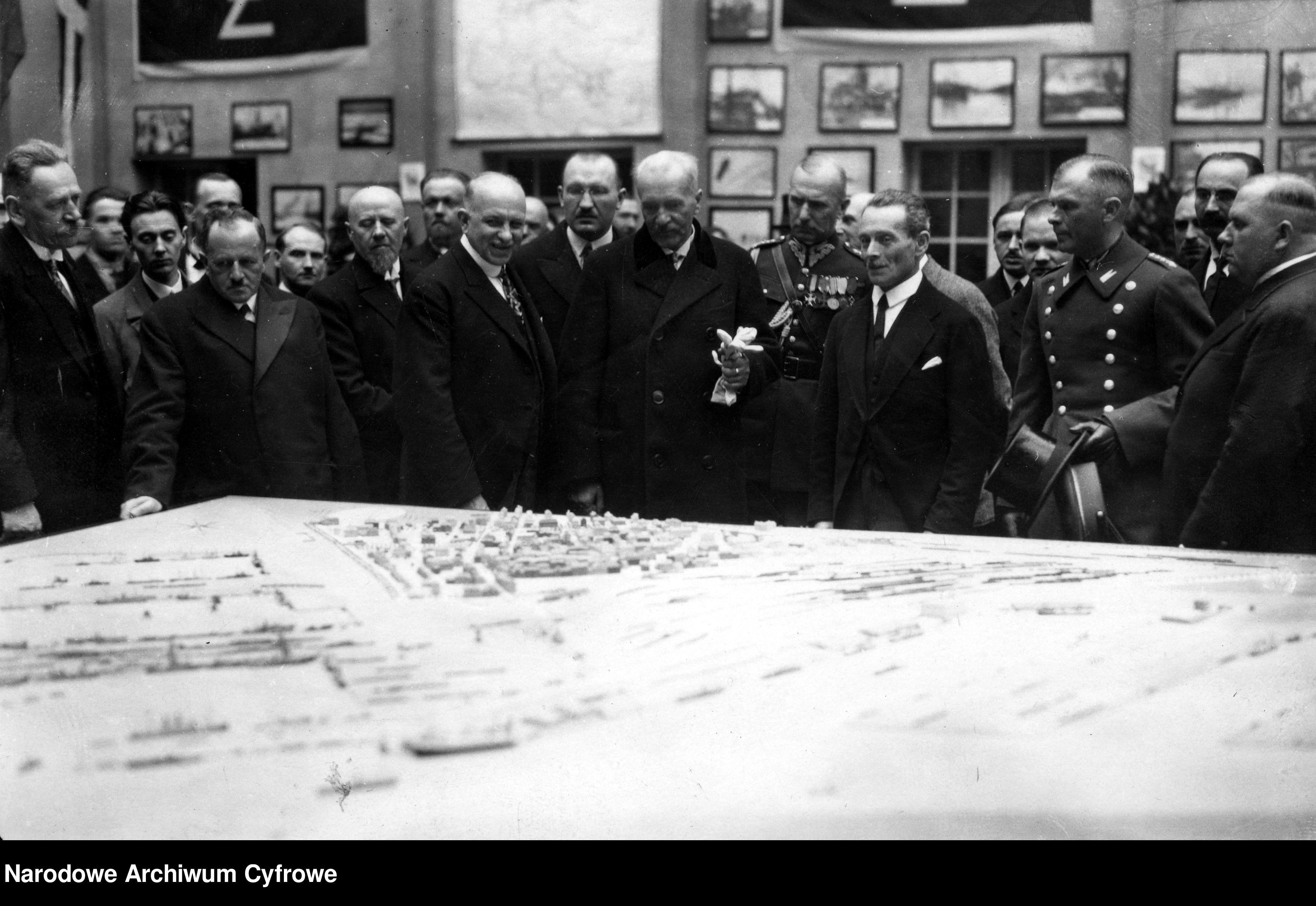 19290529-Wizyta prezydenta RP Ignacego Mościckiego na Powszechnej Wystawie Krajowej w Poznaniu-pic02~3_1_0_8_1002_1_1_76534