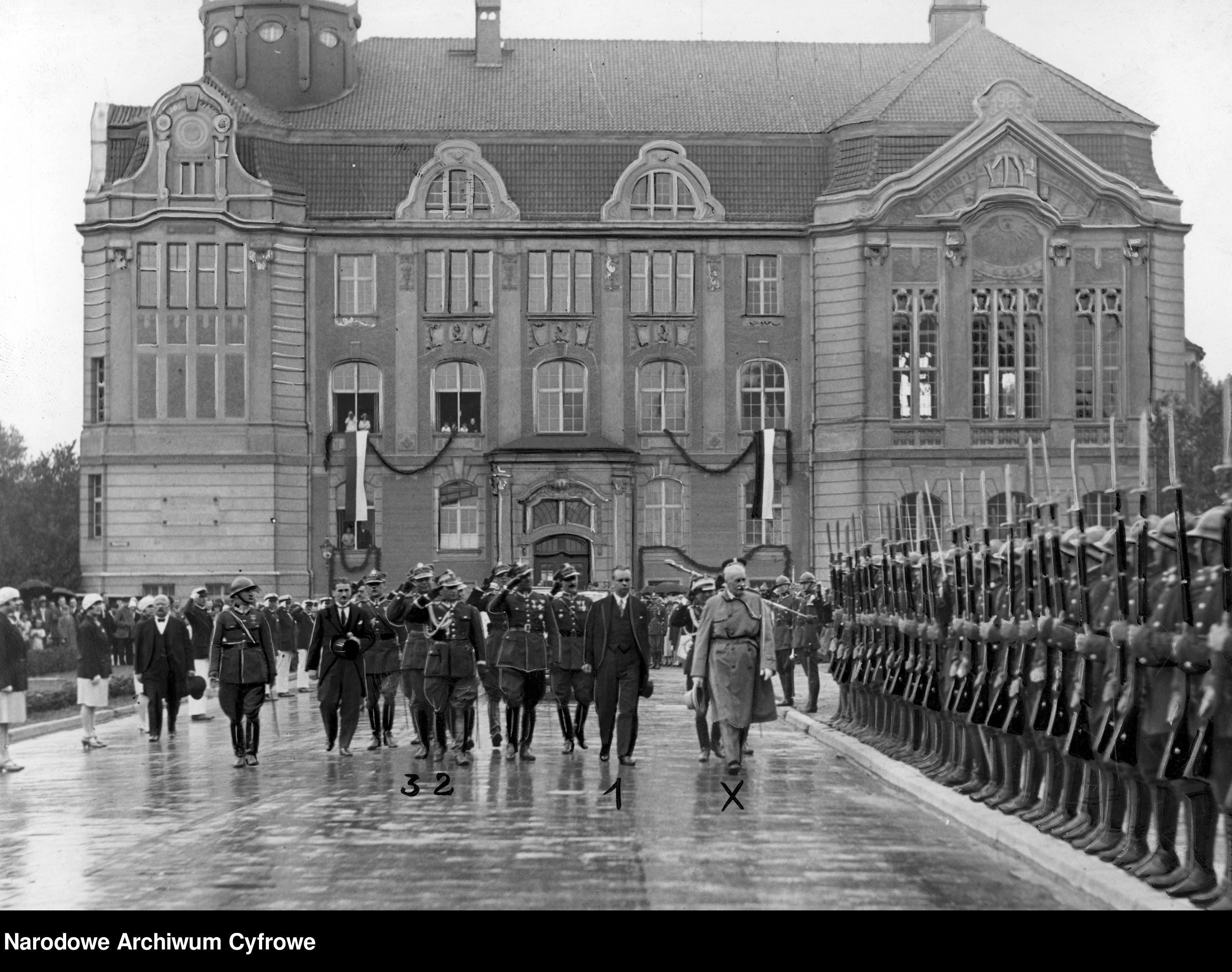 192808dd-Wizyta prezydenta RP Ignacego Mościckiego w Bydgoszczy~3_1_0_2_1551_1_1_188755
