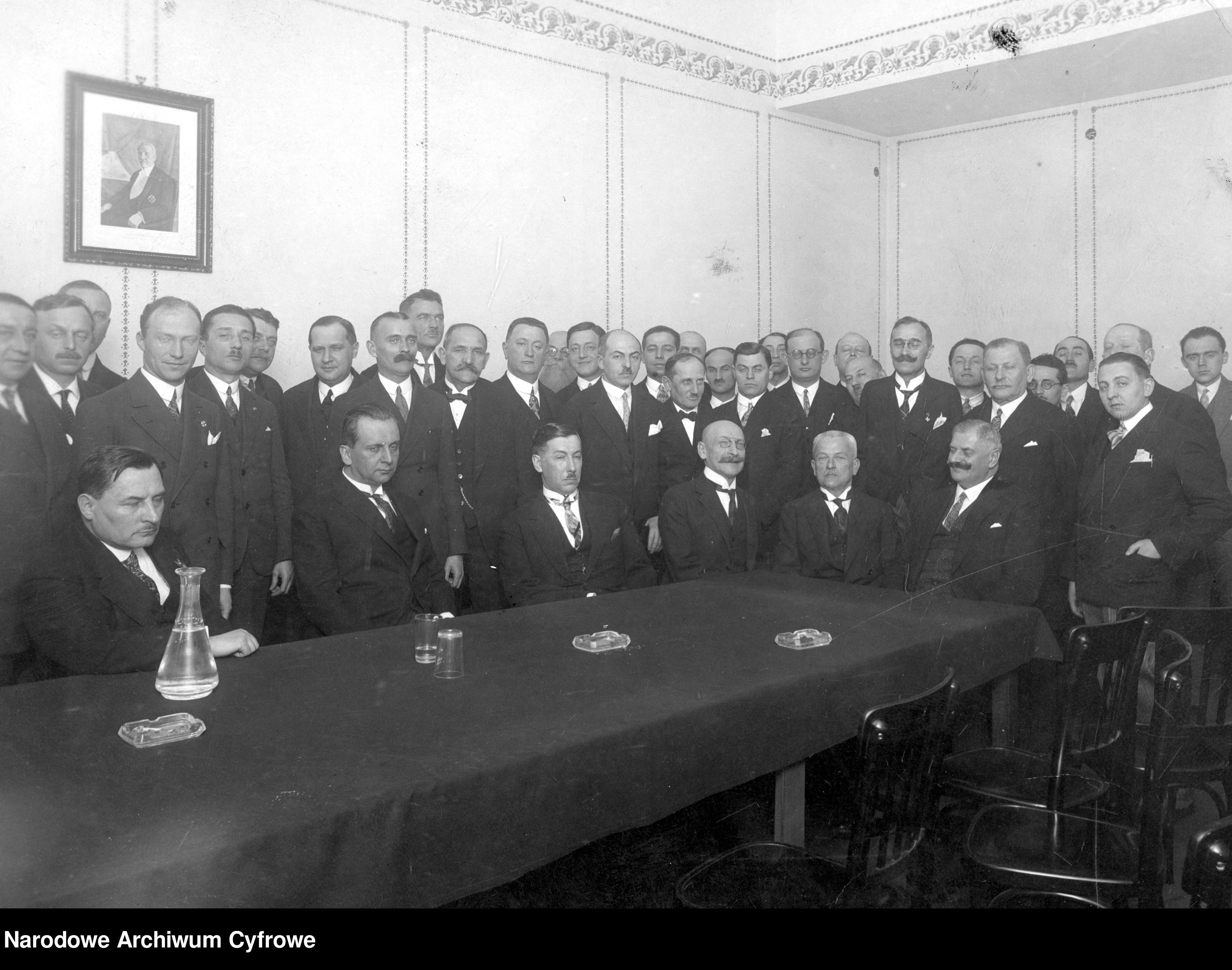 1928mmdd-Wizyta ministra przemysłu i handlu Eugeniusza Kwiatkowskiego we Lwowie~3_1_0_2_2147_1_1_198127