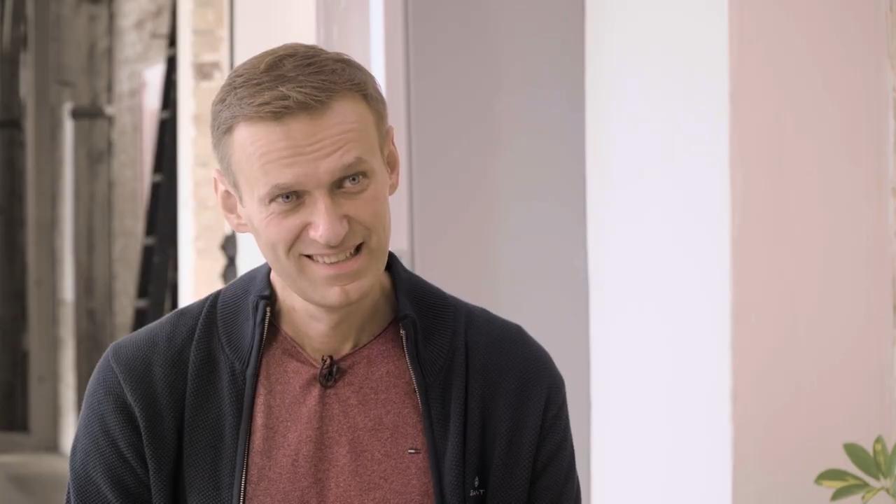 50-Навальные – интервью после отравления